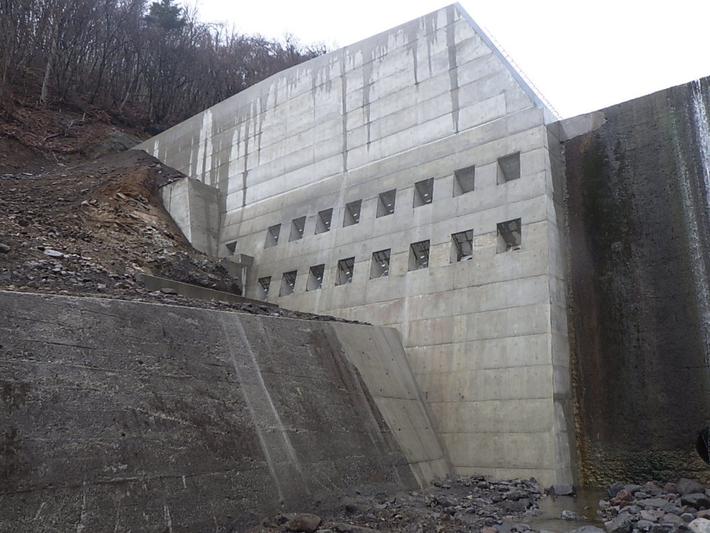 三沢第一砂防堰堤改築工事